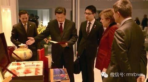 习近平赠与俄罗斯总统普京沈绣《普京总统肖像》