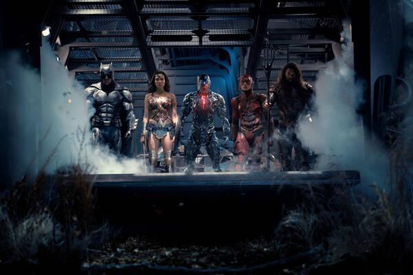 《正义联盟》超人复活 吊打大反派实力杠杠的
