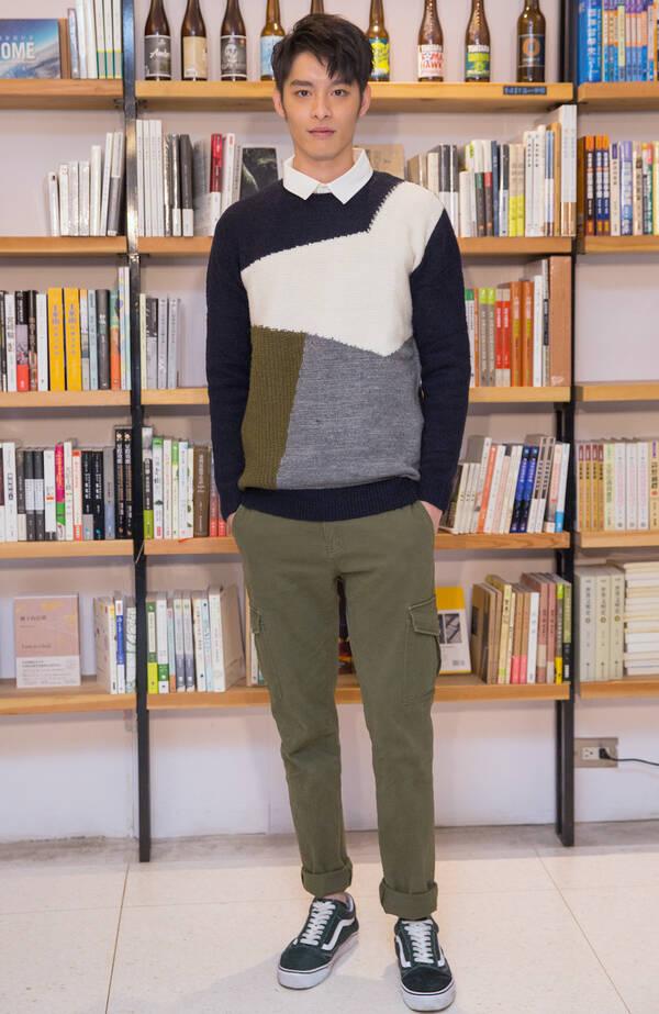 曹佑宁登杂志开年刊 曝新剧《人际关系事务所》角色