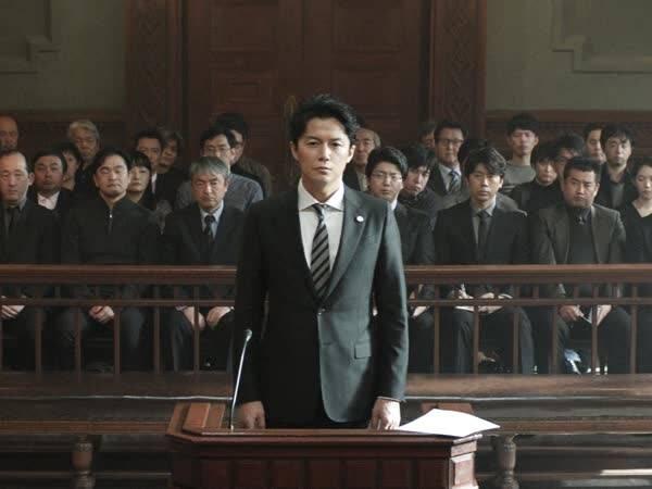 《第三度嫌疑人》曝中文版官方海报 揭示影片冷峻风格