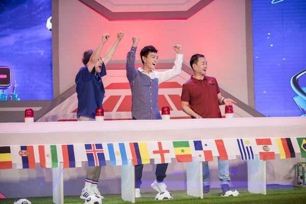张晓谦《火星世界杯》撞脸厄齐尔 畅聊足球嗨翻天