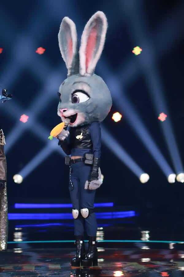 《蒙面唱将》兔警官上过格莱美 锁定李玟张靓颖萧亚轩