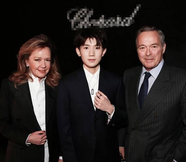 王源与奥斯卡影帝影后同台 流畅英文发言获表扬