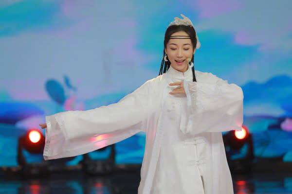 韩雪《快本》施展十八般武艺 网友赞:身手太灵敏