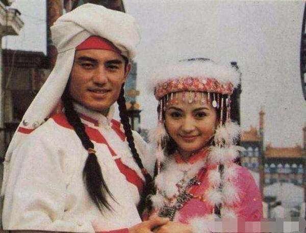 还珠格格 香妃25岁离世 葬礼只有皇阿玛令妃出席