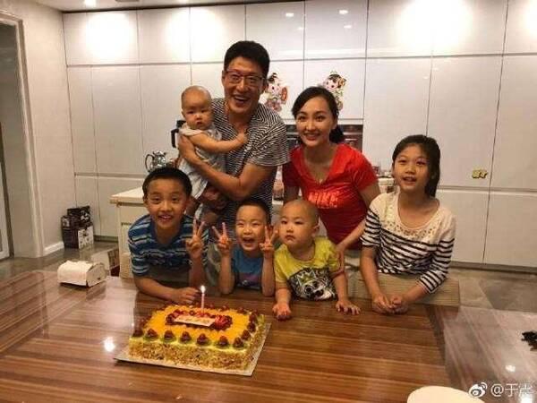 奉子成婚后闪离,他再娶小13岁娇妻为他连生三胎