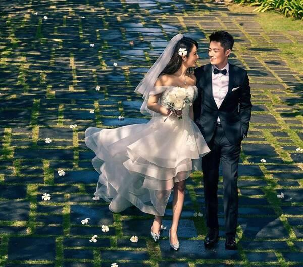 林心如婚禮趙薇給10萬,而他結婚趙薇卻隨了200萬
