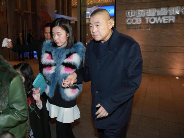 """香港女首富不忘""""旧爱"""",一个细节暴露了她的性格"""