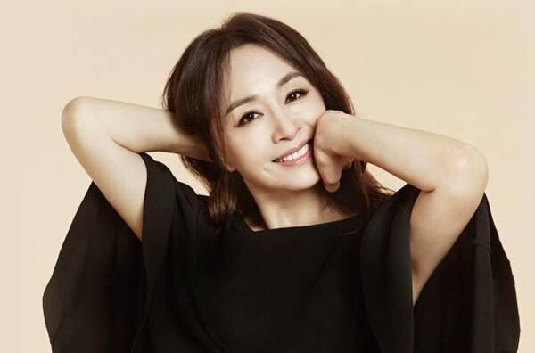 53岁韩国女星保养有多好?丈夫竟不知道她年长9岁