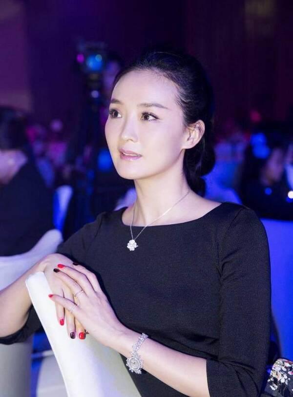 43岁阔太王艳复出被吐槽 当年的晴格格回不来了(图)