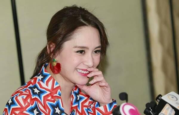 香港六合彩曾道人阿娇未婚夫家庭背景曝光,白小姐六合皇东方心经,给两人做媒的竟是他!