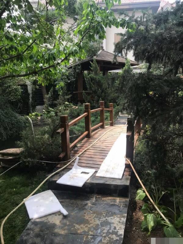 李湘整修花园豪宅被曝光,仅一个角落就显丰厚家底