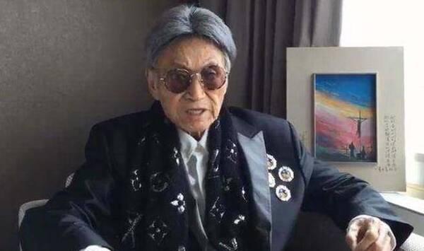 曾是台湾著名主播:50岁时17岁女友生子 85岁安乐死