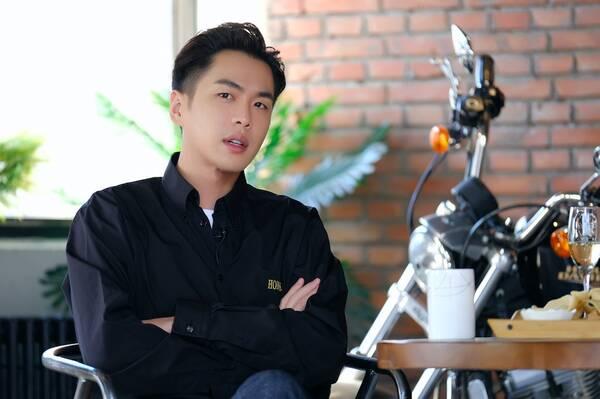 张若昀首度谈及公布恋情原因 称唐艺昕是非常好伴侣