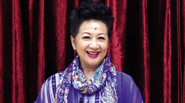 薛家燕举行派对庆祝67岁生日 称感情随缘
