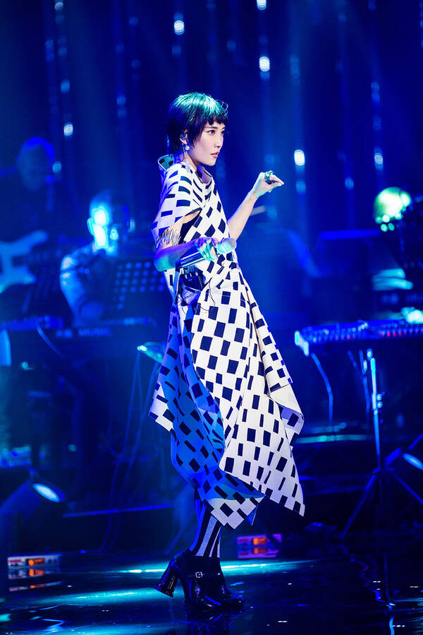 "Jessie J""三连冠""创《歌手》纪录 苏诗丁踢馆成功"
