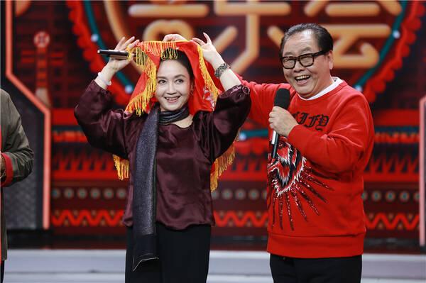 """红楼梦西游记剧组《天天》重聚 """"宝黛""""穿越时空对话"""