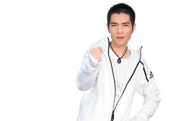 萧敬腾被曝将主持金曲奖 或将独挑大梁引期待