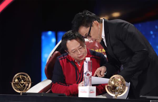 """周鸿祎自称""""脸盲"""" 在《创意中国》隔空喊话刘强东"""