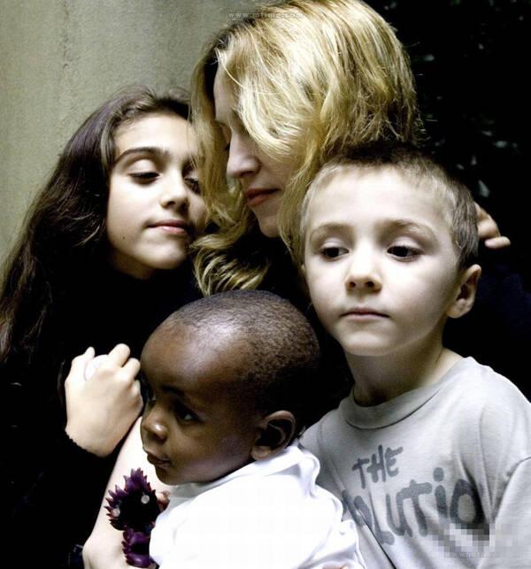 爱心爆棚!麦当娜或再领养两名非洲女孩