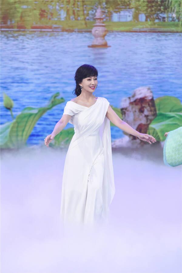 《新白娘子传奇》主演时隔26年重聚 赵雅芝叶童同台