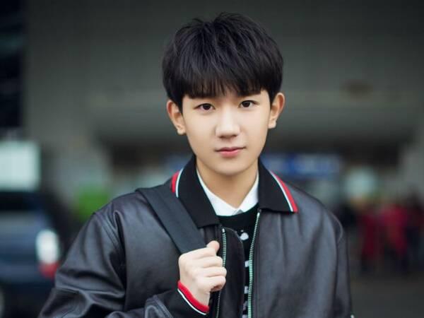 新时代青年王源不仅押中高考作文题 还给出了他的答案_七星彩开奖