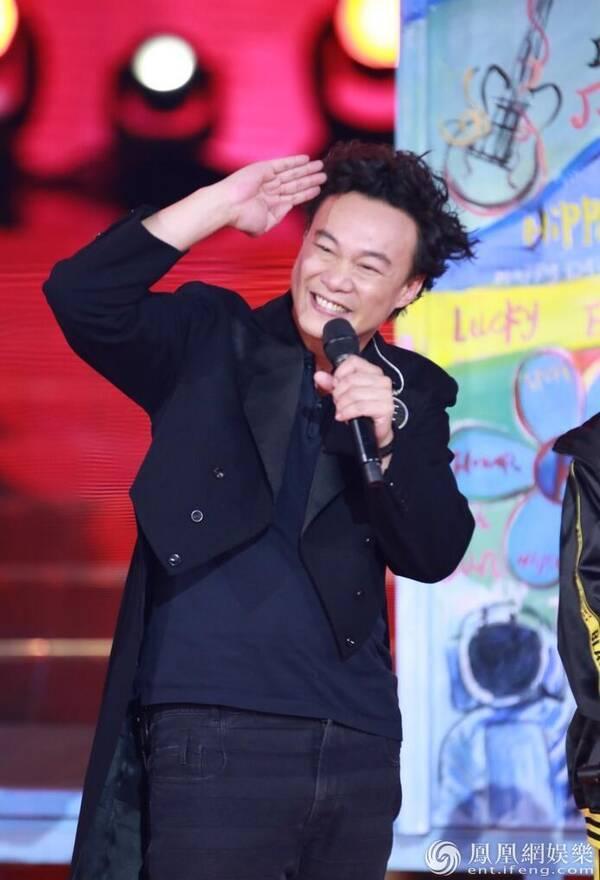 《新歌声》陈奕迅称助阵好友非主流 杨千嬅:我是仙女