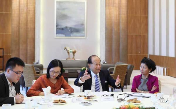 华人首富李嘉诚-实拍 中国首富大佬们平时都吃什么