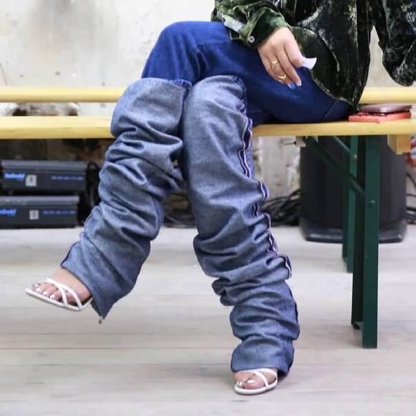 现在挽裤脚都快挽到腰了?