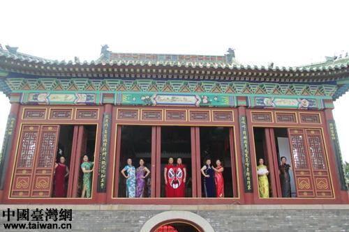 在整个青岛地区的古代建筑中,青岛天后宫的建筑艺术和彩绘艺术都是首