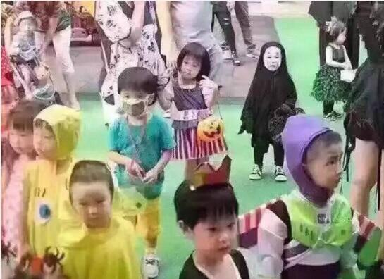 小孩的脸黑白头像