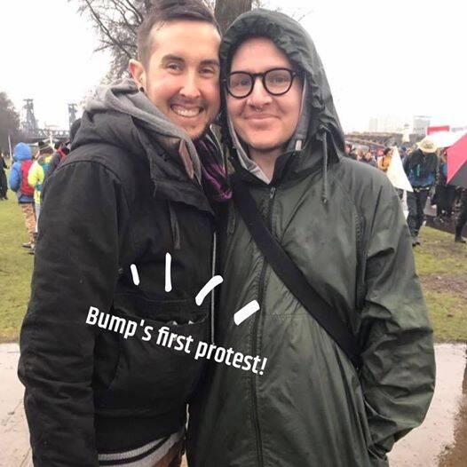 变性男子怀孕 将与同性丈夫迎来亲骨肉