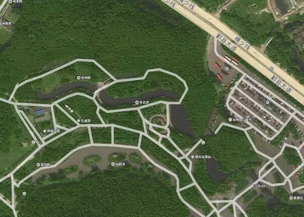 卫星地图之下的雅戈尔动物园