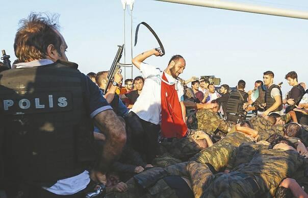 土耳其政变军人现状:挨饿、被暴打、被性侵