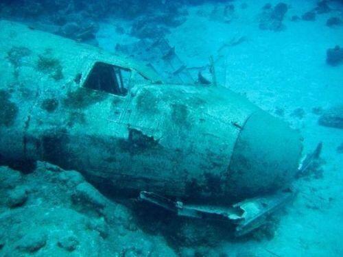 最神秘之地:世界八大水下飞机坟场