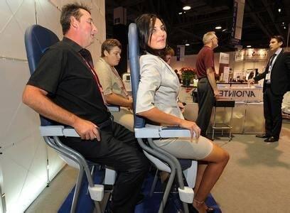 春秋航空:类似于吧台座位