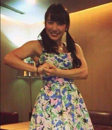 囧图160129:日本可爱妹子晒肌肉