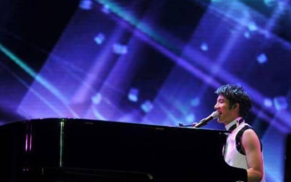 周杰伦VS郎朗的即兴钢琴创作 林俊杰王力宏表示不服