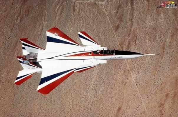 """采用三翼面结构的nf-15b """"敏捷鹰"""",由nasa 改装 f-15b而来的技术验证"""