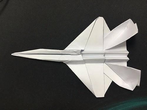 纸飞机中的战斗机!