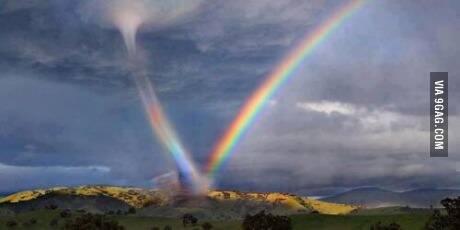 当彩虹遇上龙卷风