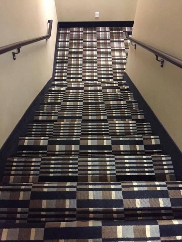 设计师你出来,陪我一起走楼梯!