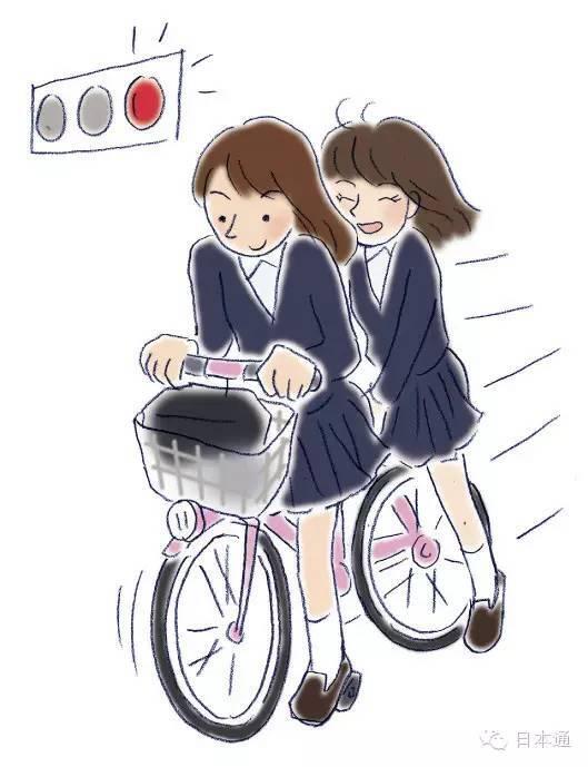 行人车道上人和自行车共存,对于行人其实也存在一定的危险性.