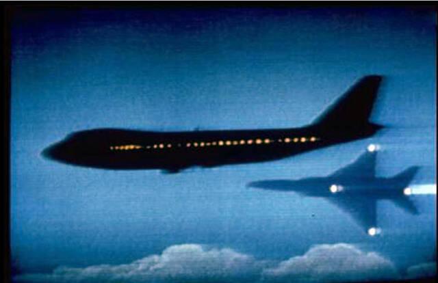 以当时的飞机避雷工艺来看