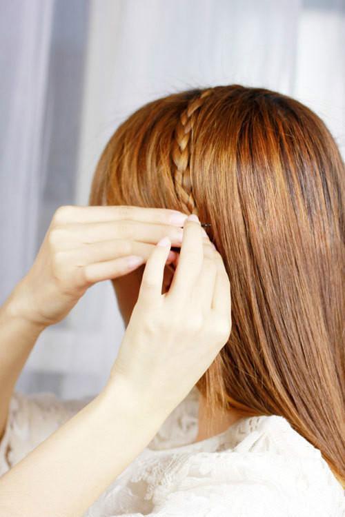 头发长了别披着,一分钟学会3款编发,比别人都漂亮!图片