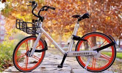 在车辆结构方面 , 摩拜单车车身采用全铝材料 , 不易锈蚀 ; 轮胎