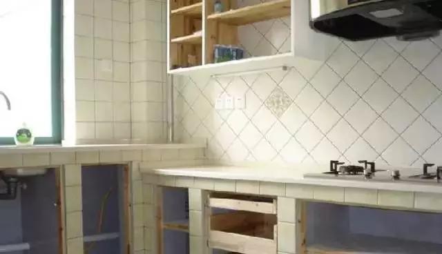 谁说厨房就要做整体橱柜,砖砌橱柜一样可以这么美!