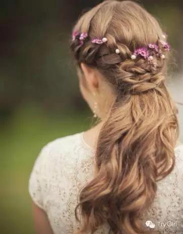因为发量多真的适合各种编发  各种美的发型都能轻易get起来  高