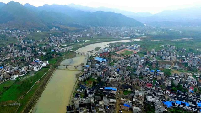 江西省遂川县在新农村建设中,通过实施精准扶贫,有力促进了生态农业