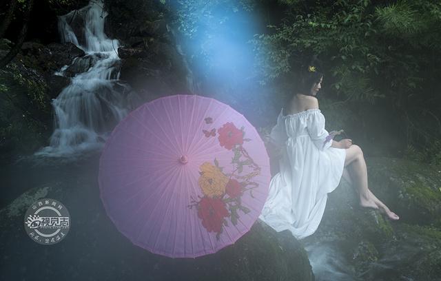 颜值美女,现身历山的山水间,或妩媚多姿,或知性典雅,成为一道靓丽风景
